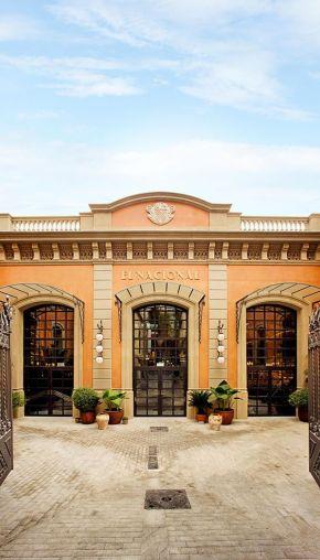 fachada el nacional barcelona