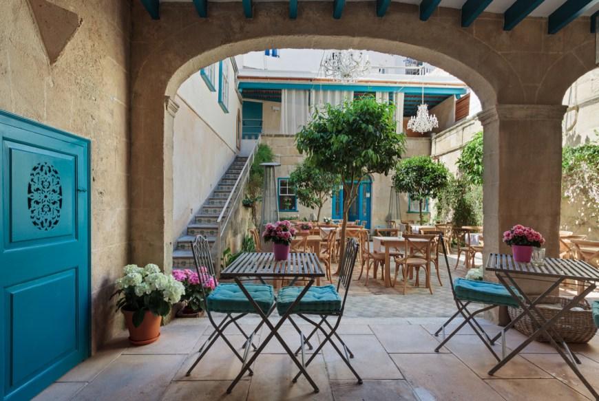 patio hotel en menorca jardi de ses bruixes